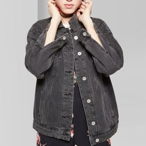 WOMEN'S DENIM TRUCKER JACKET
